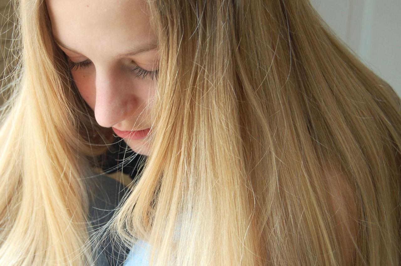 Zabieg kosmetyczny – rozjaśnianie włosów